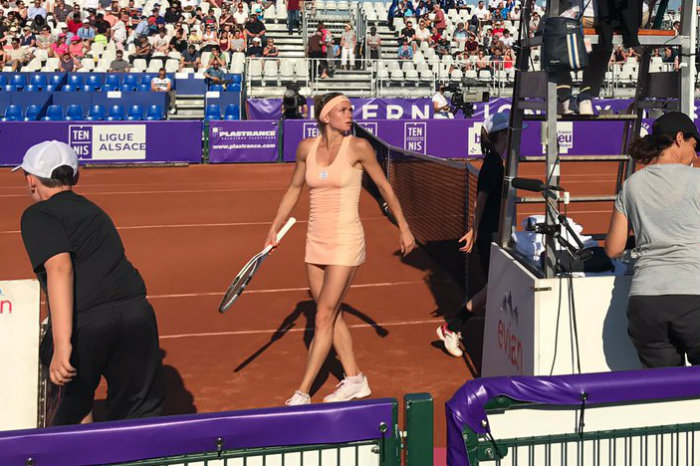 camila giorgi upsets elina vesnina in strasbourg ubitennis. Black Bedroom Furniture Sets. Home Design Ideas
