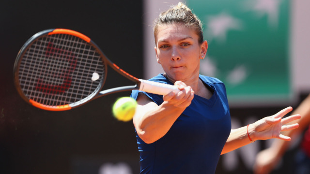 Simona Halep beats Anett Kontaveit to cruise into the semifinals in Rome