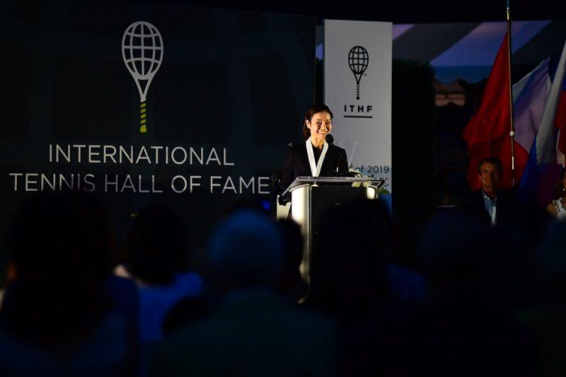 李娜成为亚洲首个名人堂成员,为中国网球的未来发展奠定了基础